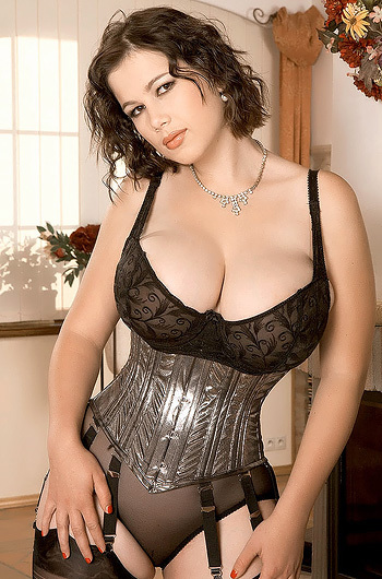 смотреть бесплатно порно фото женщин в корсетах